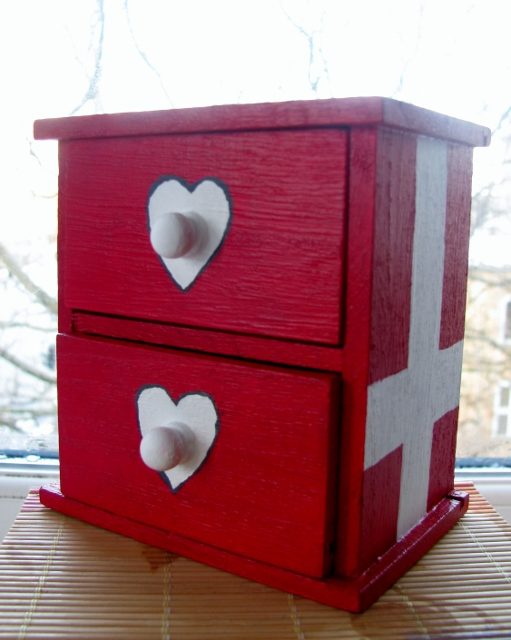 A Danish mini chest of drawers